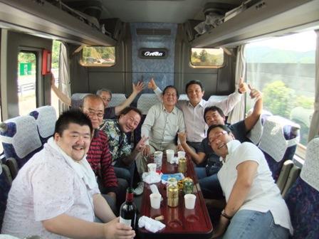 ワインの会バス.jpg